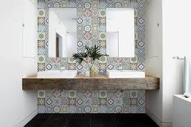 use vinyl flooring on bathroom walls