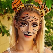 nicol concilio on insram simple tiger look do you guys want an ig video on how to do it xo stripes tartecosmetics clay pot in black