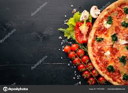 Neapolitan Pizza Spinach Gorgonzola Cheese Sausage Salami Wooden Background  Top — Stock Photo © yarunivphoto #176124352