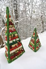 Quilted Christmas Trees & These trees where a fun gift to make and now that I own the pattern I will  probably make them again as I think they would be a good hostess gift (and  ... Adamdwight.com