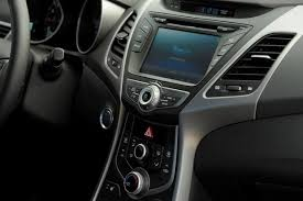 hyundai elantra interior 2014. Brilliant 2014 2013 Vs 2014 Hyundai Elantra Whatu0027s The Difference Featured Image Large  Thumb8 Inside Elantra Interior Y