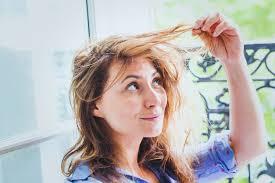 伸ばしかけの髪をおしゃれアレンジおすすめスタイル10選feely