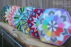 Arcadia Avenue hexagonal paper pieced quilt pattern & Our ... Adamdwight.com