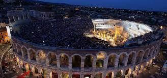 Arena di Verona - ZEIT REISEN