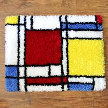 learn how to finish up the edges on a latch hook rug it s really easy