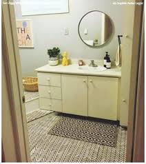 bathroom linoleum flooring how to paint vinyl floors yes you can paint vinyl linoleum floors with