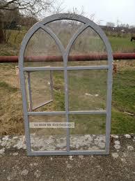 Antikes Stallfenster Aus Gusseisen Oben Rund Mit Tür Verglast