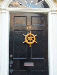 front door hangings17 Front Doors  Decorations with Coastal  Nautical Personality