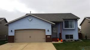 garage doors sioux fallsGarage Doors  Mls Klein Ave Sioux Falls Sd Shocking Garage Doors