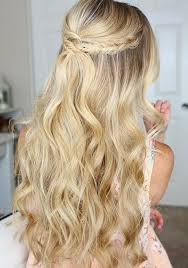 21 most glamorous prom hairstyles to