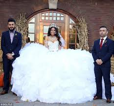 my big fat gypsy wedding gown is made from 1 200ft of fabric and