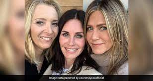 Sign up for courteney cox alerts: Courteney Cox Shares Chicken Parmesan Recipe Fans Are Getting Chef Monica Gellar Vibes Ndtv Food