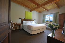 HOTEL BLACKSTONE MOUNTAIN LODGE CANMORE 4 Canada  From US 227 Lodge Room Designs