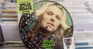 David Bowie Manics Top This Weeks Official Vinyl Charts