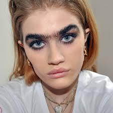 самые смешные и нелепые брови у девушек подборка фото