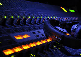 If it weren't the professionals, it would be really intimidating. Iceberg Entertainment Music Production And Recording Bringing Your Music To Life Spring Hill Soundbetter