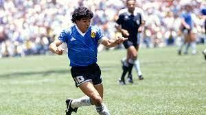 Maradona: In sieben Jahren vom vergötterten Star zur meistgehassten Figur  Neapels |