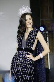 Navy crystallised ASAVA gown. Maria Poonlertlarp Miss Universe Thailand  2017 มารีญา พูนเลิศลาภ