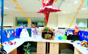 Office bay decoration themes Creative Christmas Decoration Theme Ideas Office Cubicle Colorful With Snowman And Birth Of In The Stable Christmas Decoration Theme Hongkongartinfo Christmas Decoration Theme Ideas Tree Decorating Themes Easy