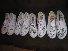 vans shoes drawn on. sneak peek of the shoes vans drawn on