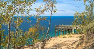 25 best places to visit in michigan