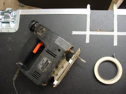 now do the same for the other part of the erfly latch on the other part of your flight case once you ve fixed both sides of one erfly latch