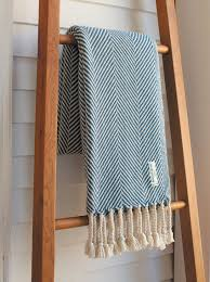 loom large textile mill brahms mount makes modern blankets and throws
