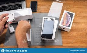 Man Unboxing IPhone Xs Max Xr Accessories Headphones Editorial Stock Photo  - Image of internet, headphones: 126950128