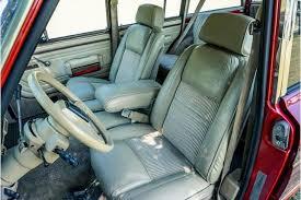 Този 1989 jeep wagoneer се задвижва от