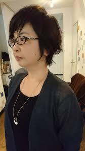 美容師解説40代女性の流行りの髪型はショートorロング