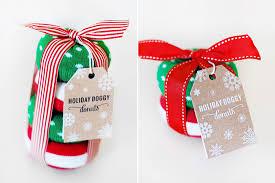 15 DIY Dog Christmas Gifts for Dogs & Dog Lovers   www.prettyfluffy.com