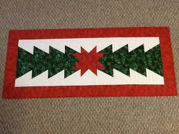 Quilted table runner patterns ile ilgili Pinterest'teki 25'ten ... & quilted table runner patterns free easy   ... Quilt Co. for some quick Adamdwight.com