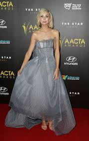 Abby Earl Clothes Looks - StyleBistro