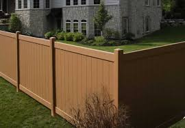Chesterfield Certagrain Privacy Fence: avinylfence.com.