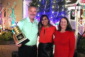 Great Christmas Light Fight Richmond Glen Allen Tacky Light House Wins 50k On Abcs Great