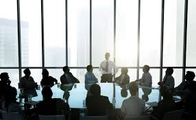 the roundtable is a r to r forum for law firm leaders that provides growth strategies and networking opportunities