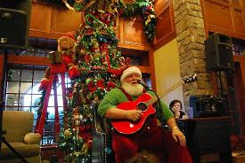 Santa - Picture of The Inn at Christmas Place, Pigeon Forge ...