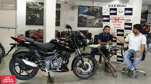 Bajaj pulsar 125 is a commuter bike available at a starting price of rs. 2020 Bajaj Pulsar 125 Split Seat Bs6 On Road Price And Finance Process Details Patna Bikes Youtube