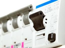 gfci circuit breaker won't reset thriftyfun how to find what is tripping my circuit breaker at Fuse Box Breaker Keeps Tripping