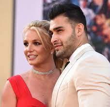 Britney Spears mit Freund Sam Asghari ...