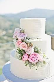 Best 25 Wedding Cake Flowers Ideas On Pinterest Wedding Cakes