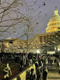 DC Mayor issues 6 p.m. to 6 a.m. curfew ...