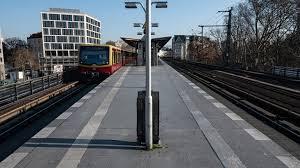 Wichtig sei, dass die bahnkunden mit verlässlichen informationen versorgt würden. So Fahrt Die Berliner S Bahn Wahrend Des Streiks B Z Berlin
