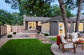 View in gallery Gravel and stepping stones in a modern yard