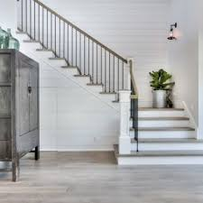 Farmhouse stair railing Balusters 75 Most Popular Farmhouse Staircase Design Ideas For 2019 Stylish Farmhouse Staircase Remodeling Pictures Houzz Houzz 75 Most Popular Farmhouse Staircase Design Ideas For 2019 Stylish