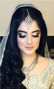best stani enement makeup for grey bridal dress