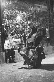 瑛太が錦戸亮を馬乗りでボコボコにフライデー報道の真相は 女性が