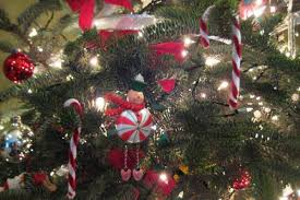 Candy Cane Decorations For Christmas Trees Easy Homemade Candy Cane Christmas Ornaments 30