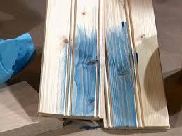 use wood conditioner on pine wood before staining