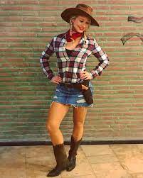 hot college costume ideas for